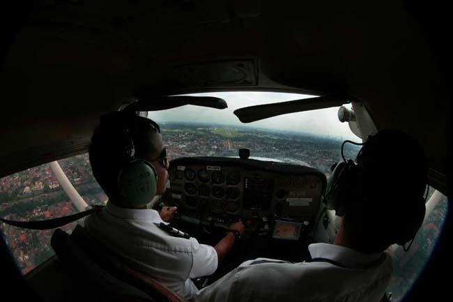 Garuda Indonesia Ajak Siswa di Mamuju Jadi Pilot