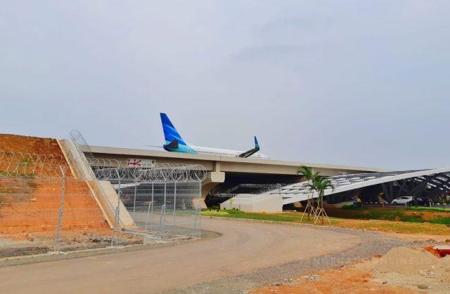 East Cross Taxiway Bandara Soetta Dioperasikan, Garuda Indonesia Melintas