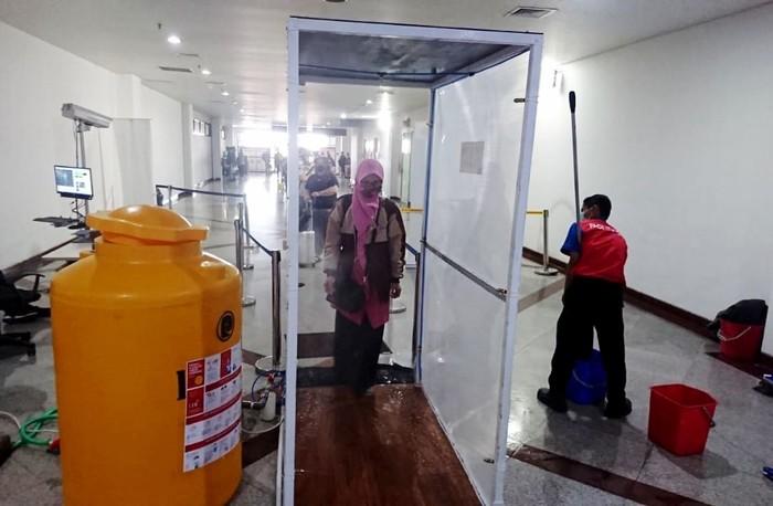Cegah Corona, AP II Pasang Bilik Disinfektan di 16 Bandara