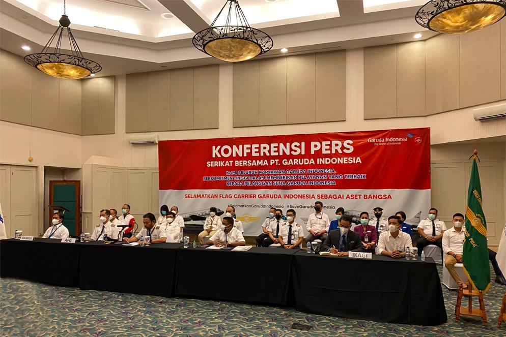 SEKBER Tanggapi Pensiun Dini Garuda Indonesia